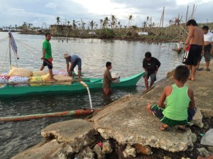 philippinen arrival with food supply